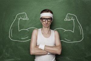 При низком тестостероне наблюдается снижение мышечной массы, силы и либидо