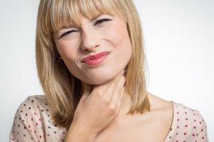 Игнорировать кальцинаты нельзя, так как они могут повлиять на работу щитовидки и вызвать опасные осложнения