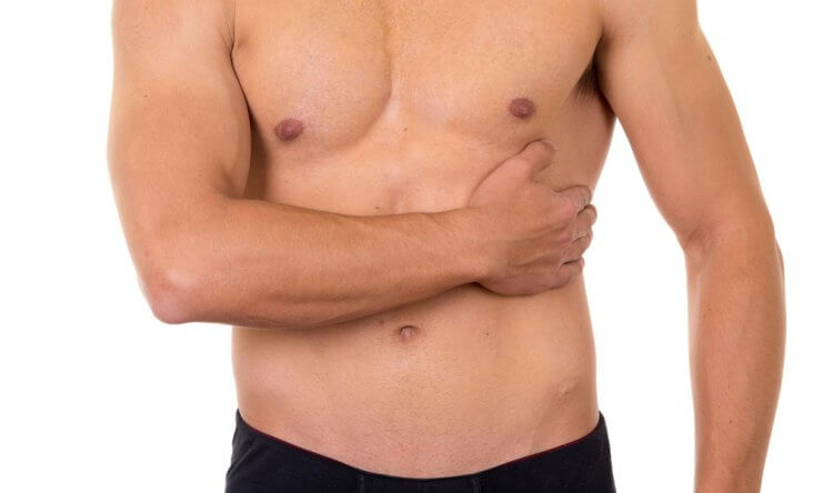 Болит под левой грудью — всегда ли это означает проблемы с сердцем?