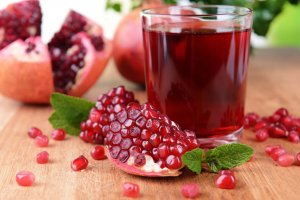 Повышаем уровень гемоглобина гранатовым соком