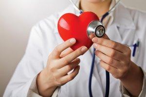 Как проявляется и чем опасна фибрилляция желудочков сердца?