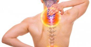 Боли в области спины, шеи и головы могут указывать на патологию позвоночника
