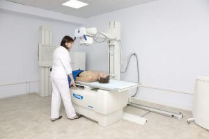 Снимок шейного отдела позвоночника делают в двух проекциях: передней и боковой