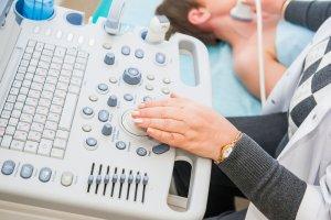 Как выполняется дуплексное сканирование сосудов шеи и о чем оно может рассказать?