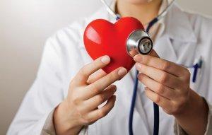 Повышенный уровень АСТ в крови может указывать на патологию сердца