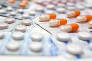 Лечение комплексное и зависит от диагноза