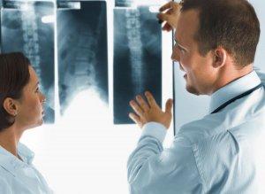 Рентгенография – это популярный, информативный и неинвазивный лабораторный метод диагностики