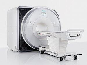 Существуют абсолютные и относительные противопоказания к МРТ