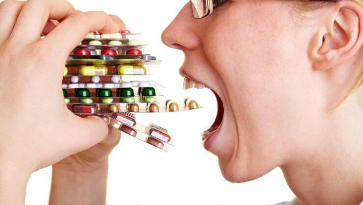 Медикаментозные препараты могут вызывать чувство привкуса железа во рту