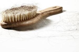 Глютеновая болезнь и выпадение волос: как бороться с облысением при целиакии
